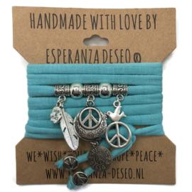 """Licht turquoise blauwe armband met zilverkleurige bedels thema """"Peace"""""""