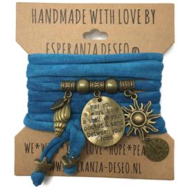 """Caribbean blauwe Tie dye armband met brons kleurige bedels thema """"Beach"""""""