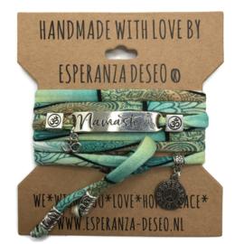 Print met turquoise armband met de tekst: Namaste - Respect