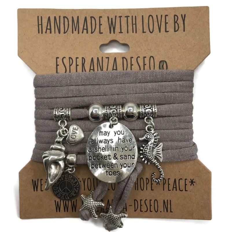 "Taupe armband met zilverkleurige bedels thema ""May you always have ...."""
