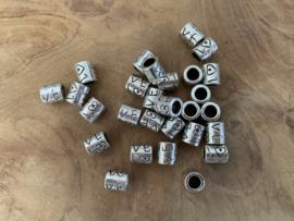 Kraal L♥VE zilver en antiek
