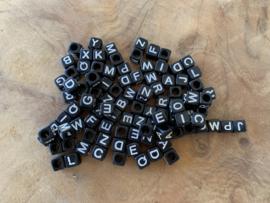 Letterkralen-mix zwart/wit
