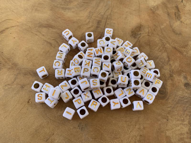 Letterkralen-mix wit/goud
