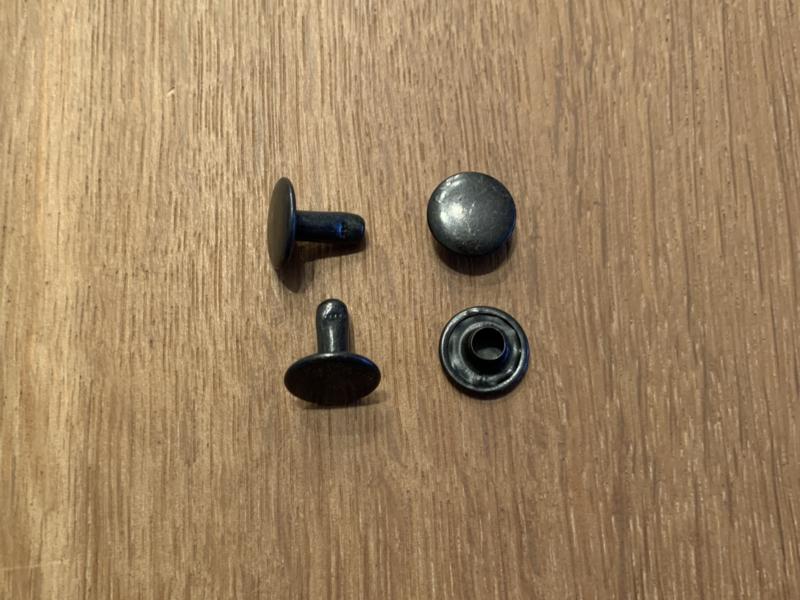 Holnieten zwart Ø 10mm