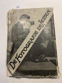 De Fotografie in lessen | D. van Kreveld | 1932 | Verzameld en van Vullingen voorzien door A. van Kreveld | N.V. De Arbeiderspers |