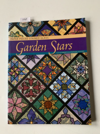 Paper Pieced Stained Glass Garden Stars | Liz Schwartz and Stephen Seifert |  1e druk | 2001 | Uitgever: Zippy Designs Publishing Inc. | ISBN 978-1891497056 | Engelstalig |
