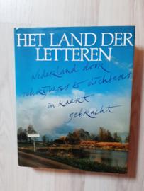 Het land der letteren │ Nederland door schrijvers en dichters in kaart gebracht│ Meulenhoff, Amsterdam│1982│ samenstelling Adriaan van Dis en Tilly Hermans