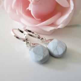 Zilverkleurige blauwe natuursteen clip oorbel