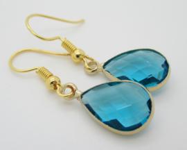 Goudkleurige petrol/blauw druppel oorbellen