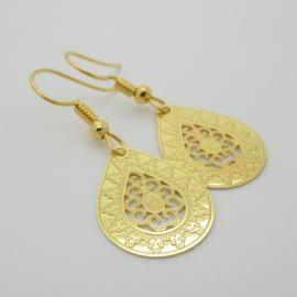 Goudkleurige bohemian druppel oorbellen