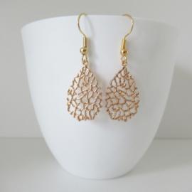 Goudkleurige druppelvormige oorbellen