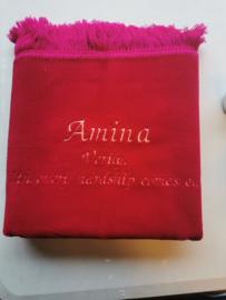 Fuchsia Gebedskleed met naam Amina