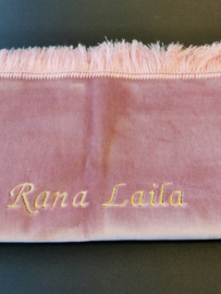 Roze Gebedskleed met naam Rana Laila