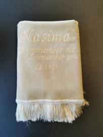 Beige Gebedskleed met naam Nasima