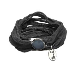 Rakhi zijden armband meachan grey silver