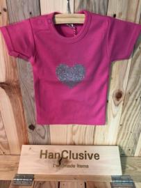 Roze t-shirt met hartje maat 68