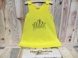 Geel kleedje met gouden kroon