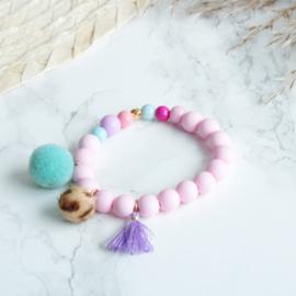Armbandje pastel pink panther