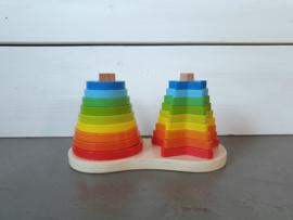 Stapeltoren piramide regenboog
