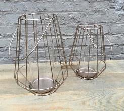 Goudkleurige metalen lantaarn met glashouder
