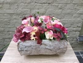 Roze vierkant bloemstuk