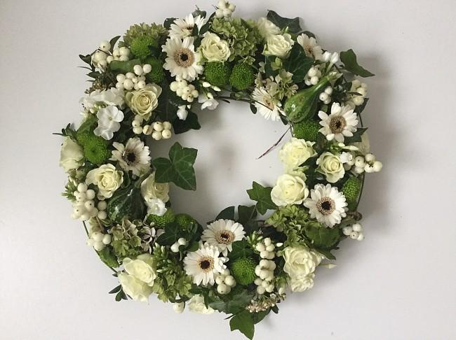 Bloemenkrans wit.jpg