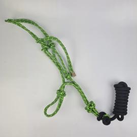 Lime touwhalster met zwart touw