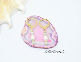 Bedel oorbellen ''mint stones & pearl'' gold