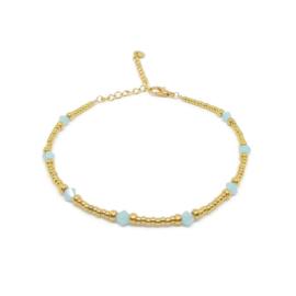 Kralen enkelbandje ''light blue stones'' gold, handmade