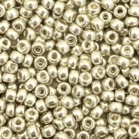 Miyuki 3mm, duracoat silver