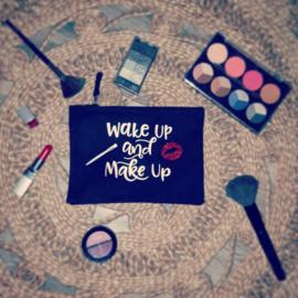 Make-up tasje Wake up and make up