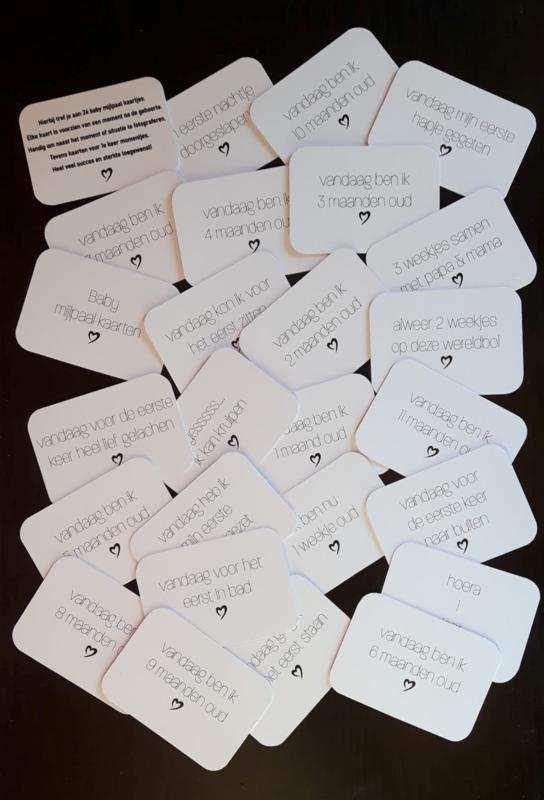 Set van 24 Baby mijlpaal kaarten