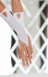 SoftLine spannende satijnen handschoenen met kanten afwerking en glimmende sieraden – wit