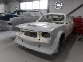 Voorspoiler Opel Ascona B groep 2 voor de ronde uitbouw, groot.