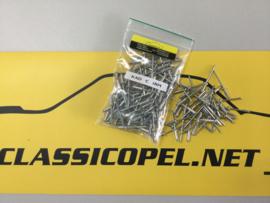 Popnagels, bevestigingsmateriaal t.b.v. verbreding  Opel Kadett C.