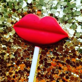 Hard pink kiss
