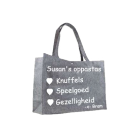 Viltentas met tekst - Oppastas – Shopper – Boodschappen tas