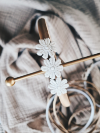 Diadeem goudbruin met witte bloemetjes