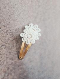 Haarspeldje 5 cm bloem lace wit