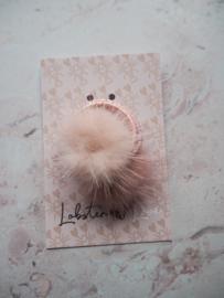 2 kleine fluffy elastiekjes roze