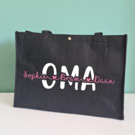 Zwarte vilten tas MAMA/OMA met kindernamen