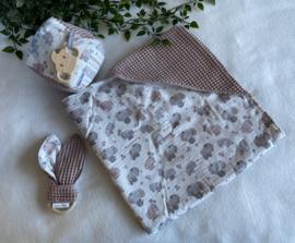 Set, omslagdoek met speelkubus en bunny bijtring
