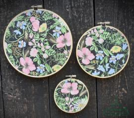 Wooncirkels bloemen zwart/groen/roze
