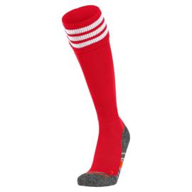 Rode Hummel voetbalsokken met witte banden ringen aan de bovenkant