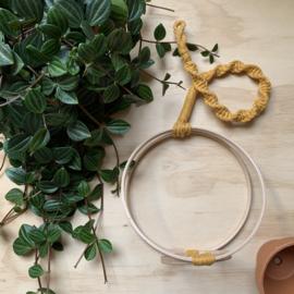 Plantenhanger ring oker