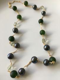 parelketting met frosted green stone en groene amethist