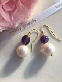 ivory pearl with pink luster with amethyst