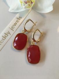 rode onyx oorbellen (rechthoekig gefaceteerde steen)