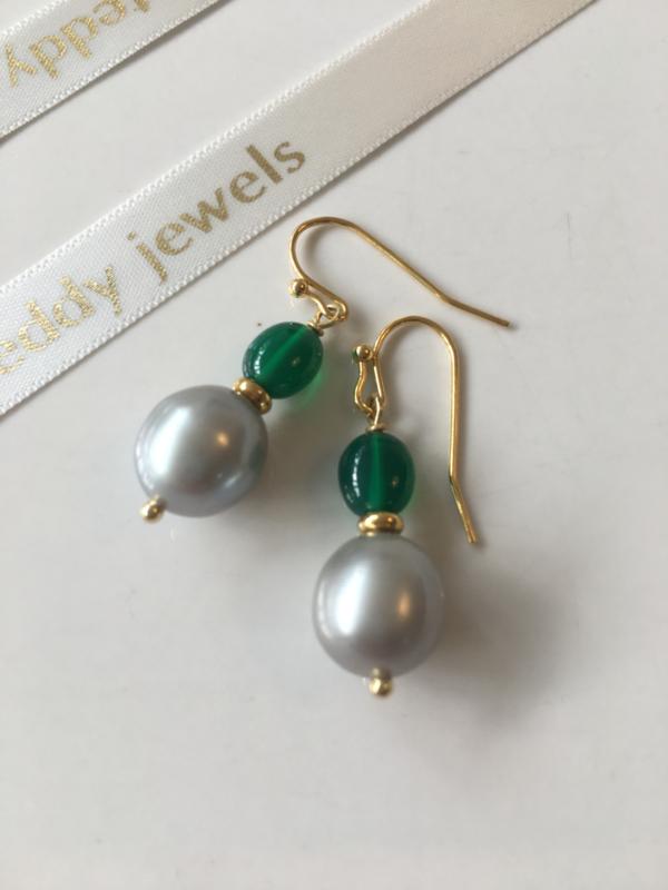 grey pearl smooth green onyx earrings