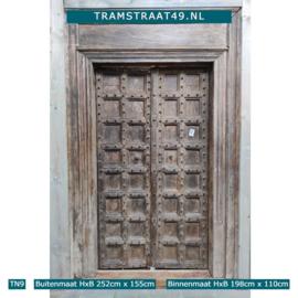 Oude deur inclusief kozijn TN9